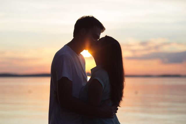 【恋活・婚活豆知識】好きな人ができると何故キスしたくなるの?