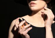 【婚活アイテム】フェロモン入り香水!?本能に働きかけてみる?