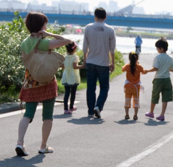 (画像:ASHINARI)もう悩まない!子供と一緒に参加できる婚活パーティー。再婚を応援するツヴァイ