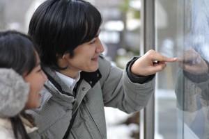 (画像提供:ashinari)ツアーチケットが二人の思い出