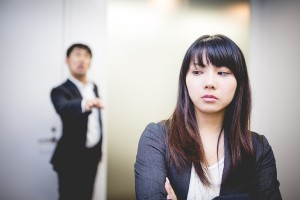 (提供:PAKUTASO)女性が残念に思う40代男性のNGパターン まとめ