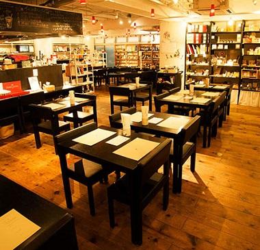 表参道のおしゃれな文房具カフェ。イベントに参加して新しい出会いを見つけるのもアリかも!