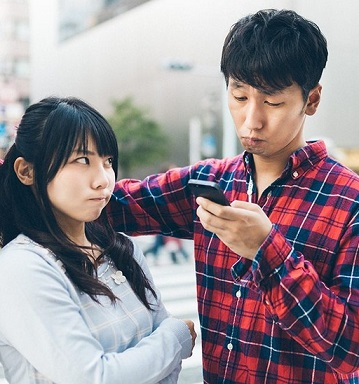 (画像:PAKUTASO)初デートで会話が続かないのは大した問題じゃない。失敗する本当の原因とは?