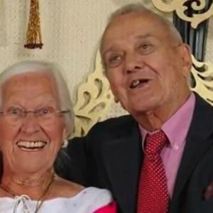 """(画像:ABC10News)「死ぬ最後の瞬間まで一緒にいよう」75年目の結婚記念日で起きた""""奇跡の夫婦愛"""""""