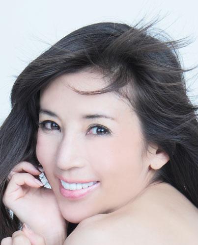 (画像:川島なお美 公式ブログ「なおはん」のほっこり日和)「強い女の私たちは、これまで通り強いままで生きていきましょう」熟婚のすすめで語った川島なお美の名言を振り返る