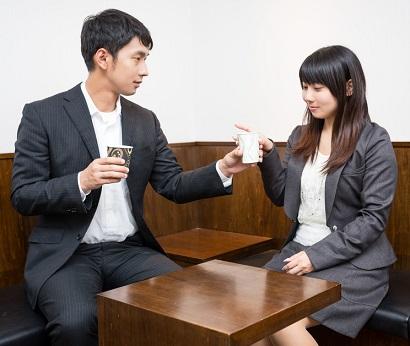 """(画像:PAKUTASO)「婚活を成功させたい!」本気で結婚したいなら""""お見合いのメリット""""を知ること!"""