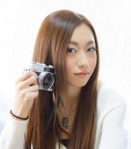 (画像:PAKUTASO)自分を輝かせるアラフォー女性は美しい。婚活するために見直したい35歳からの心得とは?
