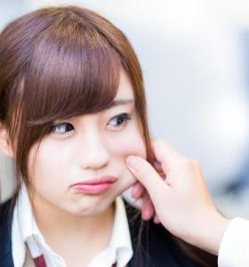 (画像:PAKUTASO)女性らしさを感じるとき、男が胸キュンする5つのこと (1)