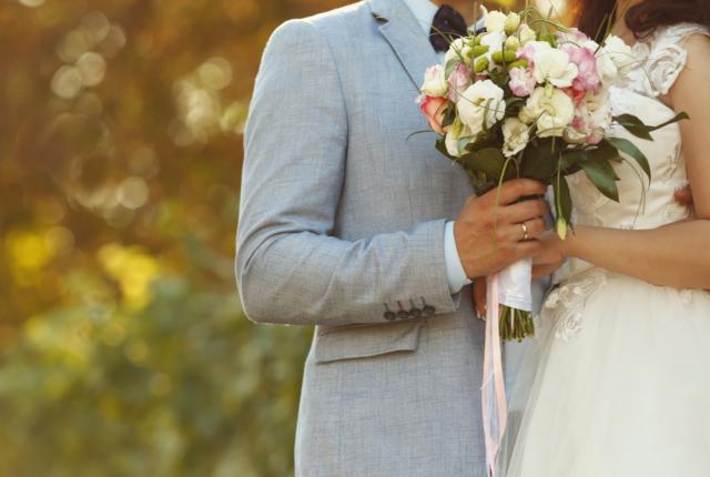 結婚式に費用をかけると離婚率が上がるってホント!?
