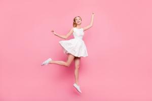 ポイント2 恋愛運を上げる最強カラーはピンク