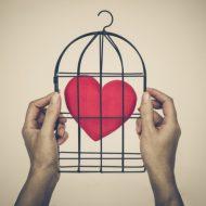 「結婚したいのに障害がある」婚活における5つの壁とは?