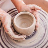 愛のろくろ回し!渋い大人の趣味「陶芸婚活」