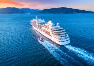 出会いはロマンティックな船の上!夕日が美しい「海上婚活」