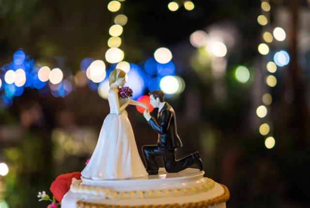 プロポーズの瞬間を残しておけるカメラ付き指輪ケース「リングカム」