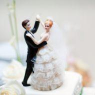 結婚の決め手は男性5割が「経済的に余裕ができたとき」では女性は?