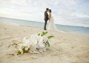 新婚旅行を兼ねてハワイで挙式!海辺の「ビーチ婚」