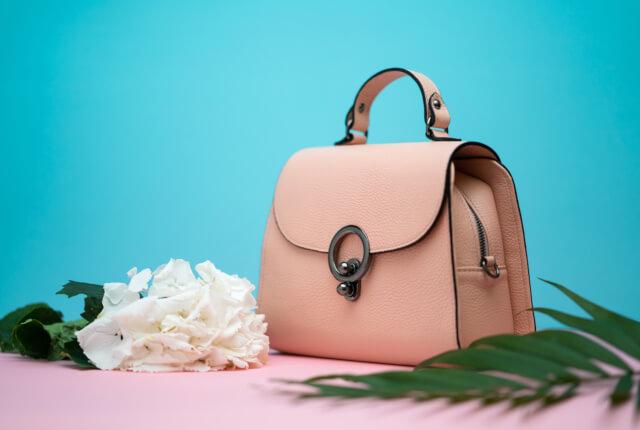 【婚活バッグ特集】婚活パーティでモテる!女性のバッグの選び方