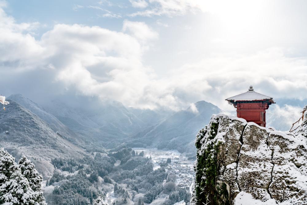 """山形県で婚活するなら!""""大手婚活会社vs地域密着型""""のポイント比較"""